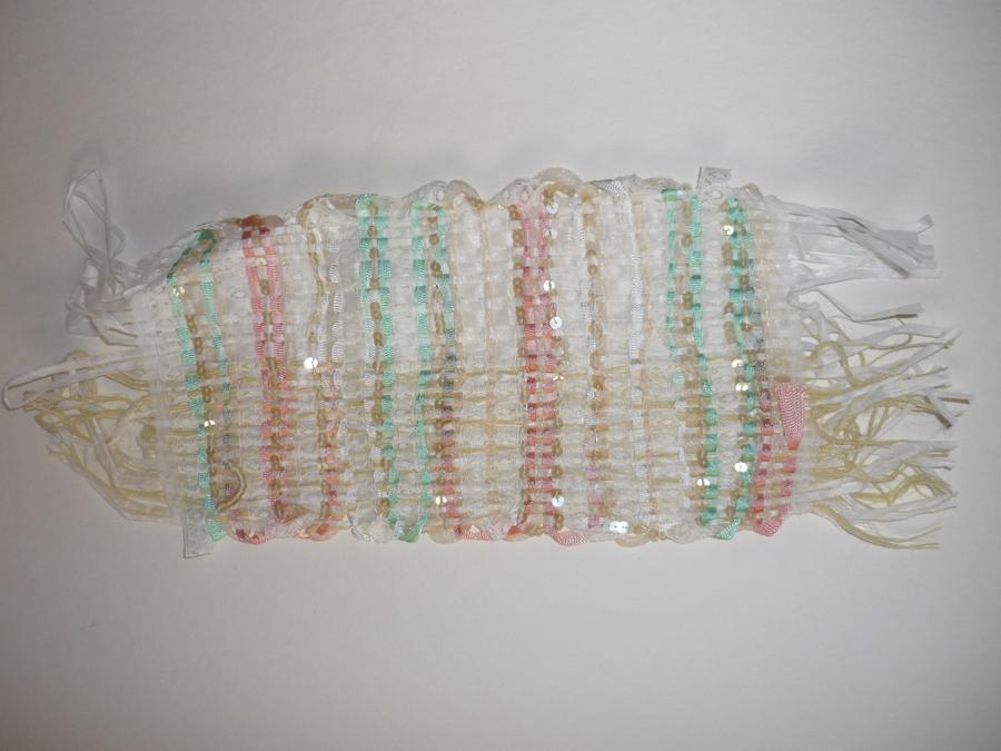 échantillons tissus = chaine mixte : coton-soie, trame mixte : raphia-dentelle