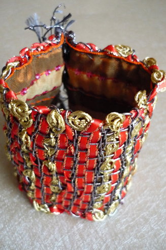 Bracelet rouge et or